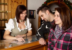 Rezeption - Hotel Hutter